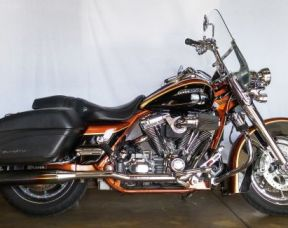2008 CVO<sup>™</sup> Road King<sup>®</sup>