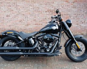 NEW FLSS Softail Slim S in Vivid Black 2017
