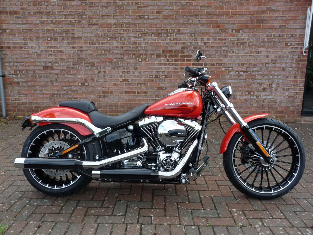 NEW FXSB Softail Breakout 2017 Laguna Orange