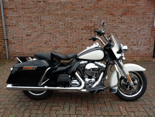 Touring FLHP Police Road King 2015