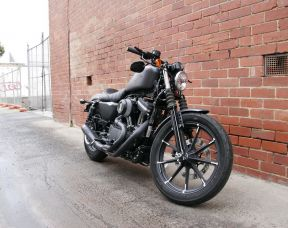 Iron 883 Cafe Racer (XL883N)