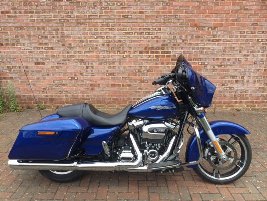 FLHXS Street Glide Special in Superior Blue 2017 model
