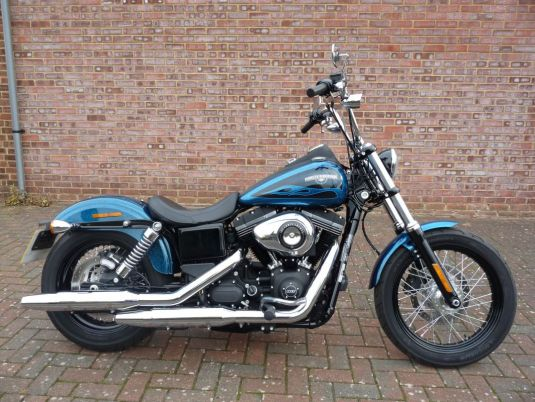 FXDB Dyna Street Bob 2016 Hard Candy Cancun Blue Flake