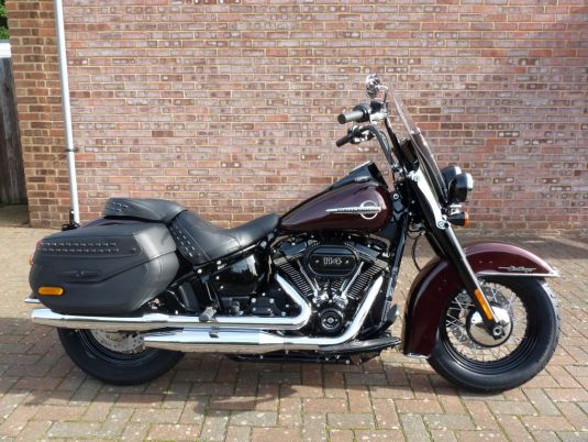 NEW FLHCS Softail Heritage 114 Twisted Cherry 2018