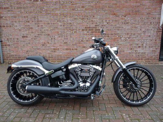 FXSB Softail Breakout 2017 Full Stage One