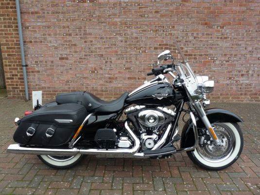 FLHRC Touring Road King Classic 2012 Low Mileage