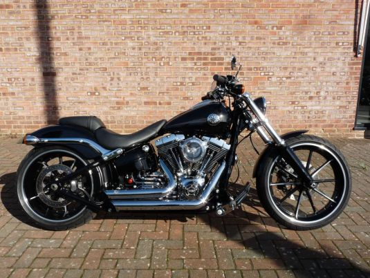 FXSB Softail Breakout 2015 Full Stage One