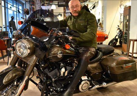 Александр Розенбаум в гостях у Harley-Davidson Новосибирск