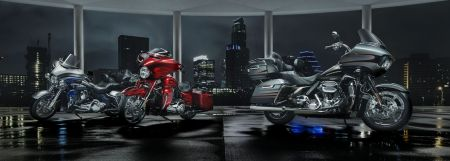 2016 HARLEY-DAVIDSON CVO MOTORCYCLES EXUDE POWER AND PRESTIGE