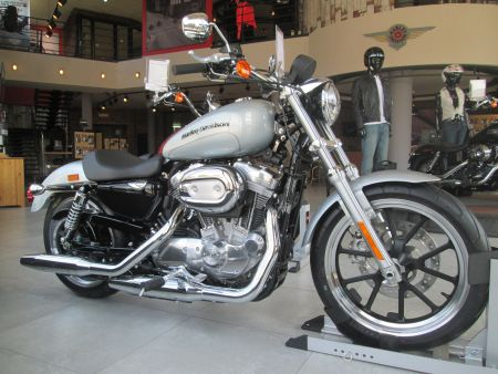 Harley-Davidson XL883L SuperLow