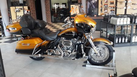 Harley-Davidson FLHTKSE CVO Limited