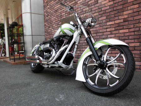 カスタム車両入荷:2011 FXDF Fat Bob
