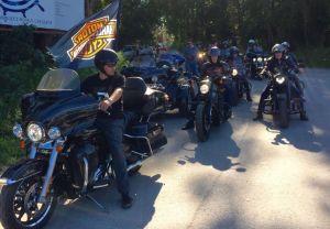 Традиционный субботний мотопробег Harley-Davidson