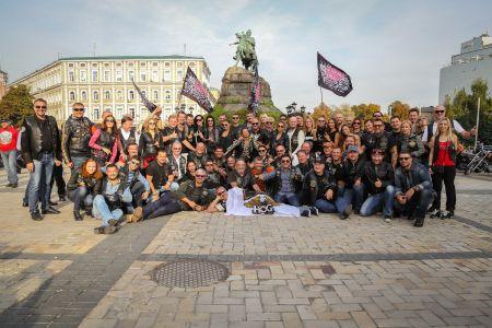 Мотопарад та вечірка під відкритим небом: як пройшло закриття байкерського сезону в Києві