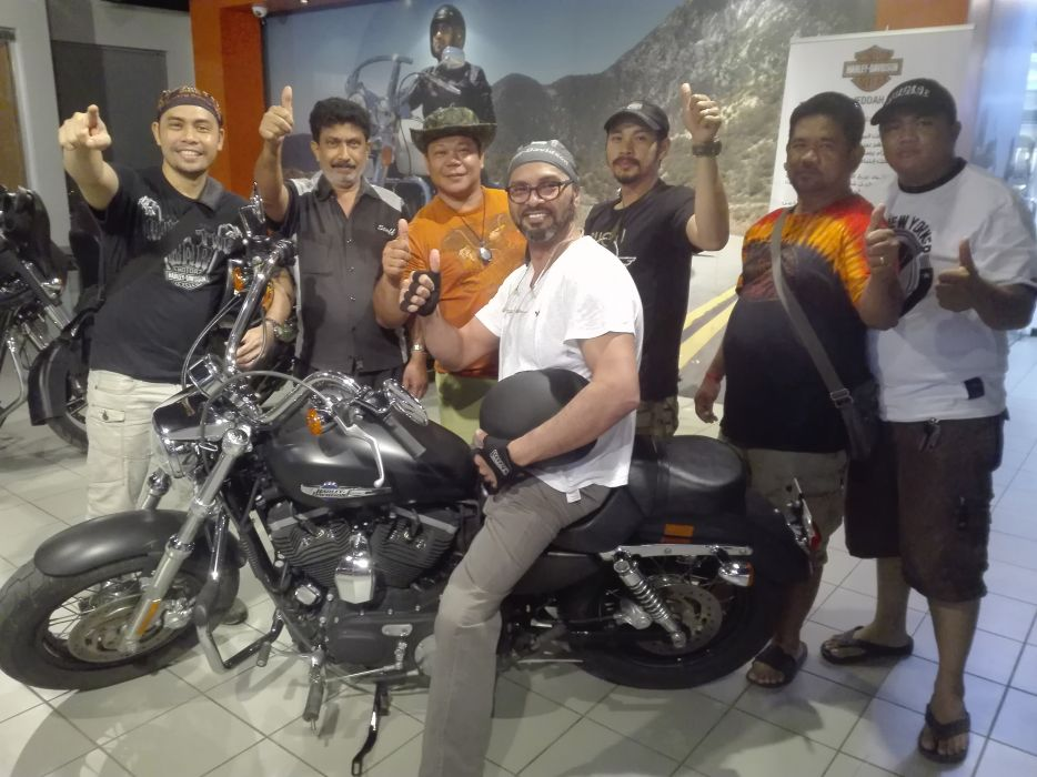 Congrats to Mr. Emad on his XL1200CB.   live to ride and ride to live