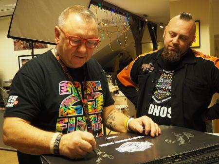 Zdobądź kalendarz z autografami Billa Davidsona i Jurka Owsiaka!