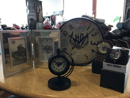 各種時計を取り揃えております!!