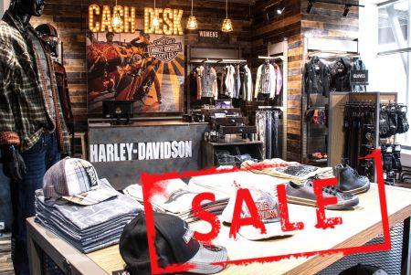 Большая распродажа одежды и аксессуаров!