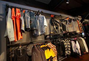 季節ごとに新商品が入荷し、海外で流行りのモードもいち早く取り入れているH-D®レディースファッション