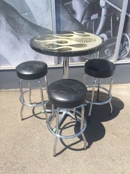 Harley-Davidson Cafe Table&Stool SET