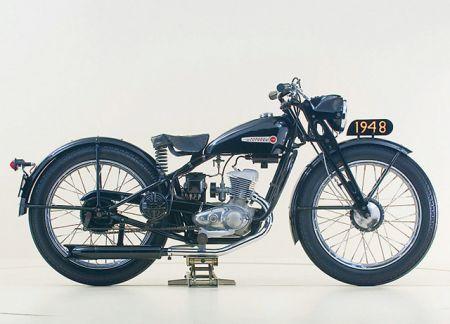 【XL1200X(FORTY-EIGHT)の新・旧徹底比較!!】シルエットは変わらず、進化し続けるHarley-Davidson!!