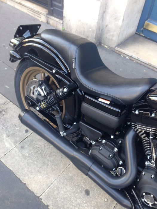 Préparation de moto Harley-Davidson sur base de Dyna Low Rider S. Réalisée par le concessionnaire ATS Harley-Davidson Paris Bastille.