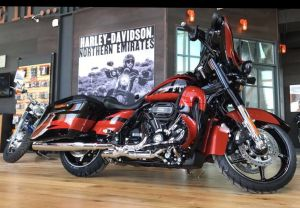 Stage 4 CVO Street glide with 117 cubic inch engine !