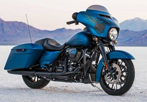The brand new 2018 Street Glide Special, ligther and faster than ever, with the unique legend blue d