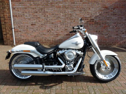 NEW FLFB Softail Fat Boy 107 Bonneville Salt Pearl
