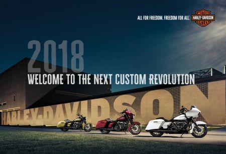 할리데이비슨 18년식 모터사이클 사전 예약으로, '아이폰8'과 '115주년 기념 가죽 재킷'까지 함께 받으세요!