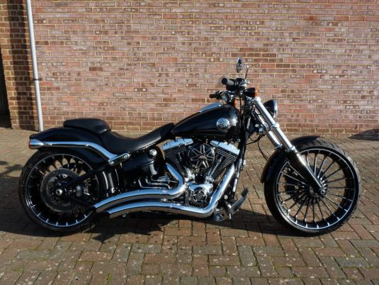 2016 FXSB Softail Breakout, Full Stage One, Turbine wheels