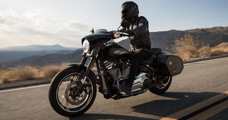 Den nye Harley-Davidson Sport Glide™ – håndtering og smidighet møter langdistanse!