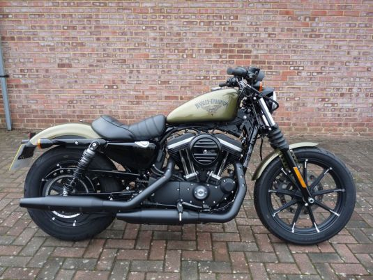 2017 XL883N Sportster Iron in Olive Gold