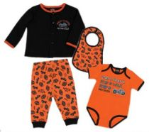 NWB BOY 4PCS HNGNG SET