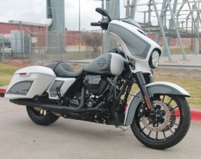 2018 Harley-Davidson Touring Street Glide® Special FLHXS