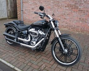2018 FXBRS Softail Breakout 114 Cubic Inch Vivid Black Unregistered