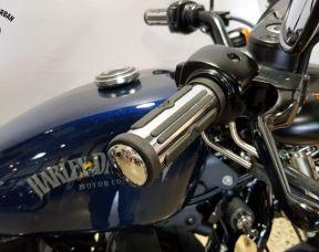2012 Iron 883™