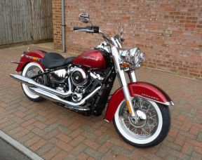 NEW 2018 FLDE Softail Deluxe in Two Tone Wicked Red and Twisted Cherry Unregistered