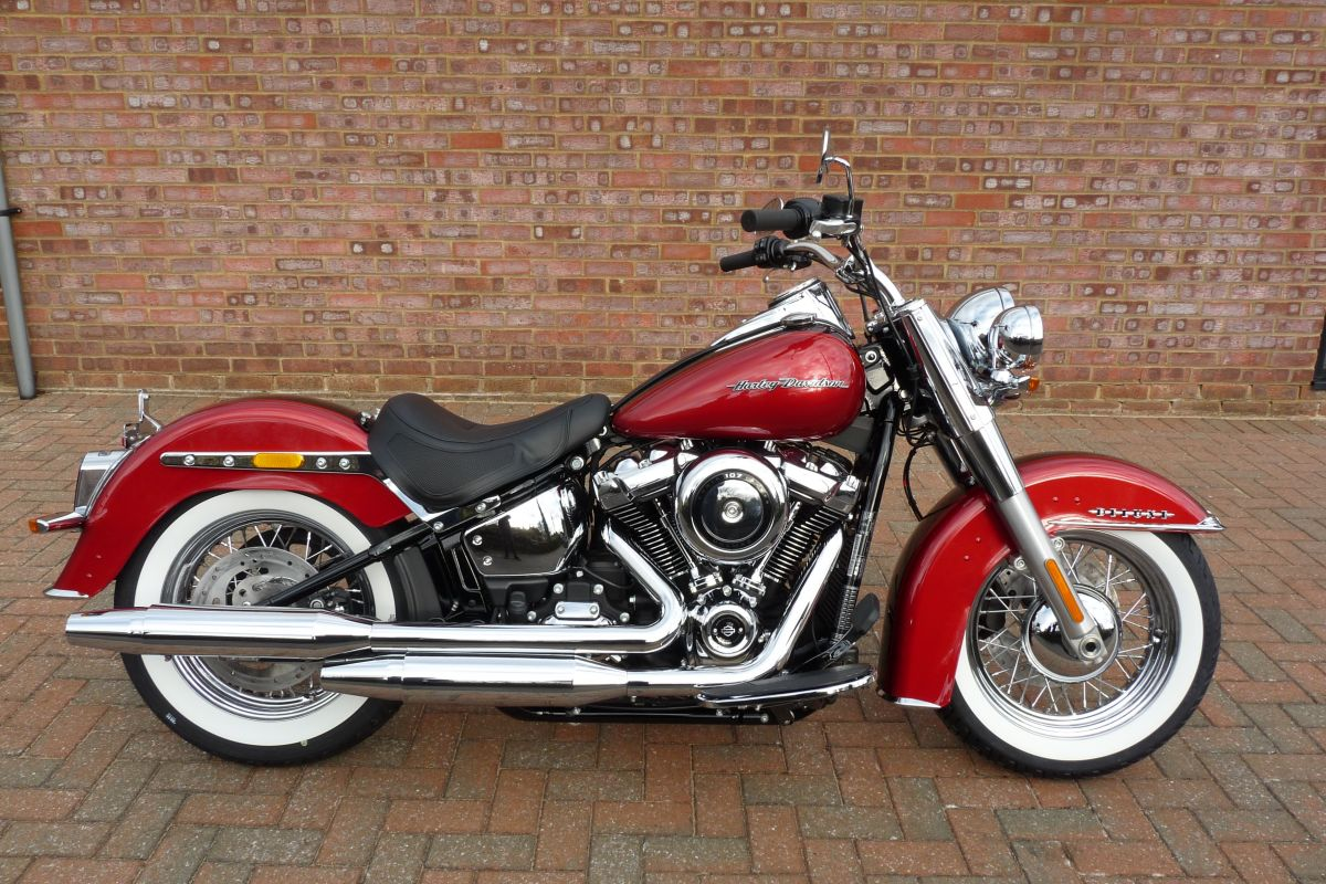 new 2018 flde softail deluxe in two tone wicked red and twisted cherry unregistered shaw. Black Bedroom Furniture Sets. Home Design Ideas