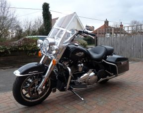 2017 FLHR Touring Road King in Vivid Black 67 plate