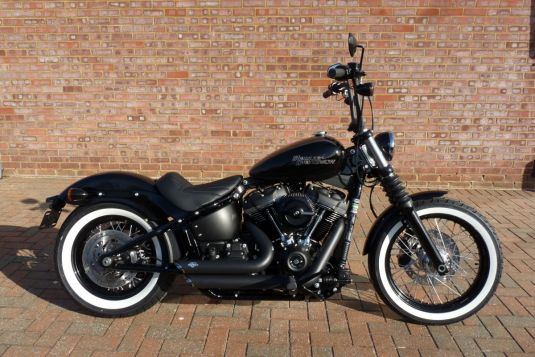 NEW 2018 FXBB Softail Street Bob Vivid Black Full Stage One Whitewall Tyres