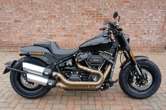 NEW 2018 FXFBS SOftail Fat Bob 114 in Vivid Black