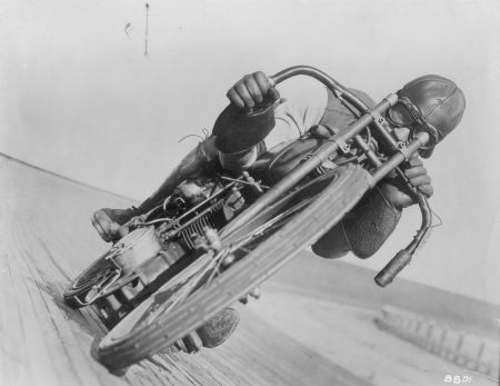 Harley-Davidson: Състезателят