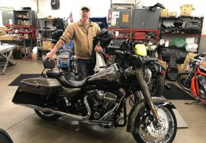 Ron and his '14 FLHRSE Road King CVO