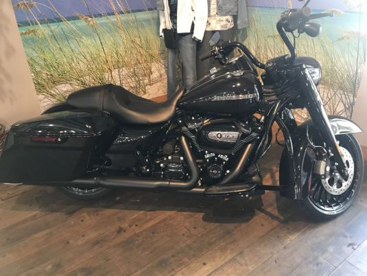 2018 Road King<sup>®</sup> Special
