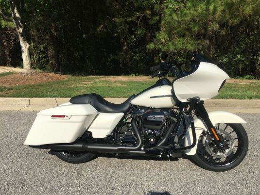 2018 Harley-Davidson FLTRXS Road Glide<sup>®</sup> Special