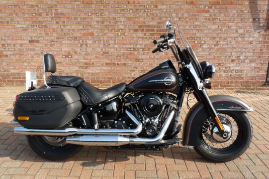2018 FLHC Softail Heritage Classic 107 Two Tone Ex Demonstrator