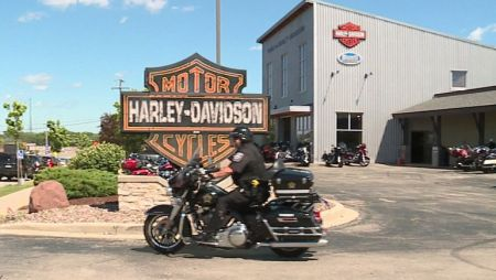 'Investing in students:' House of Harley-Davidson announces technical school scholarships