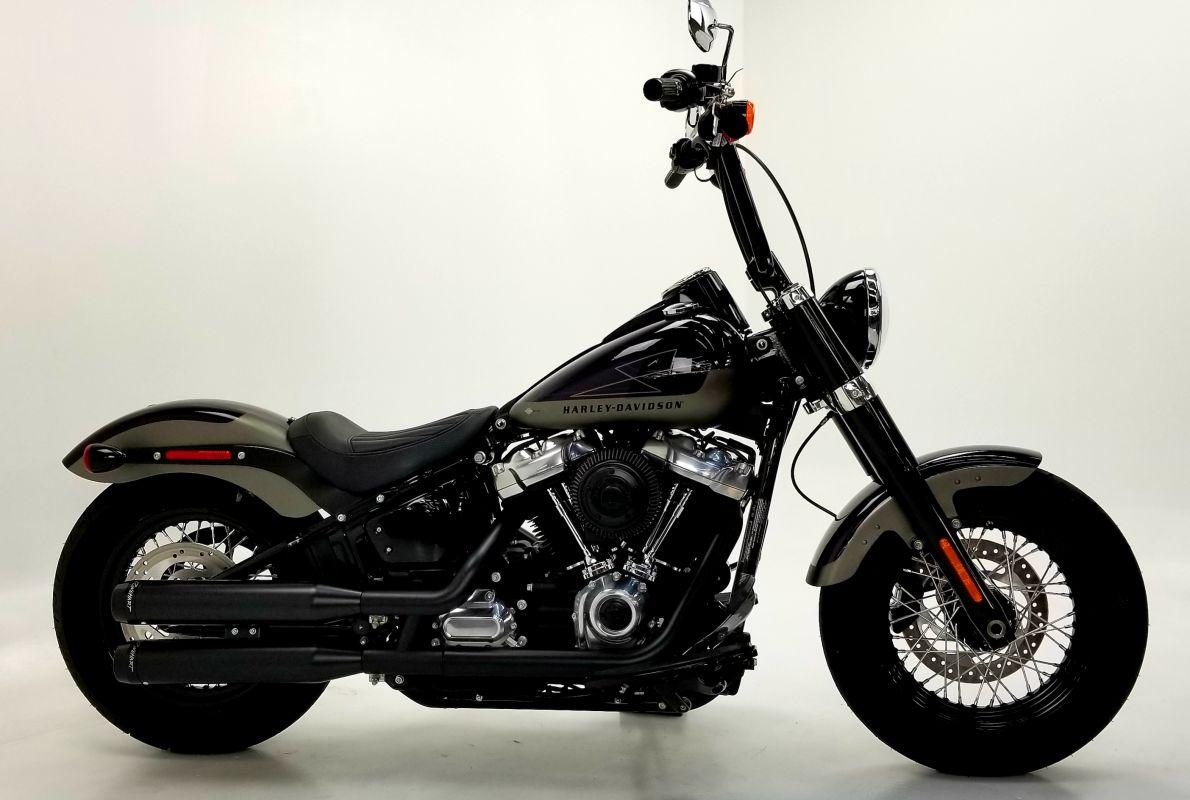 2018 Harley Davidson FLSL Softail Slim w/ Limited edition paint set