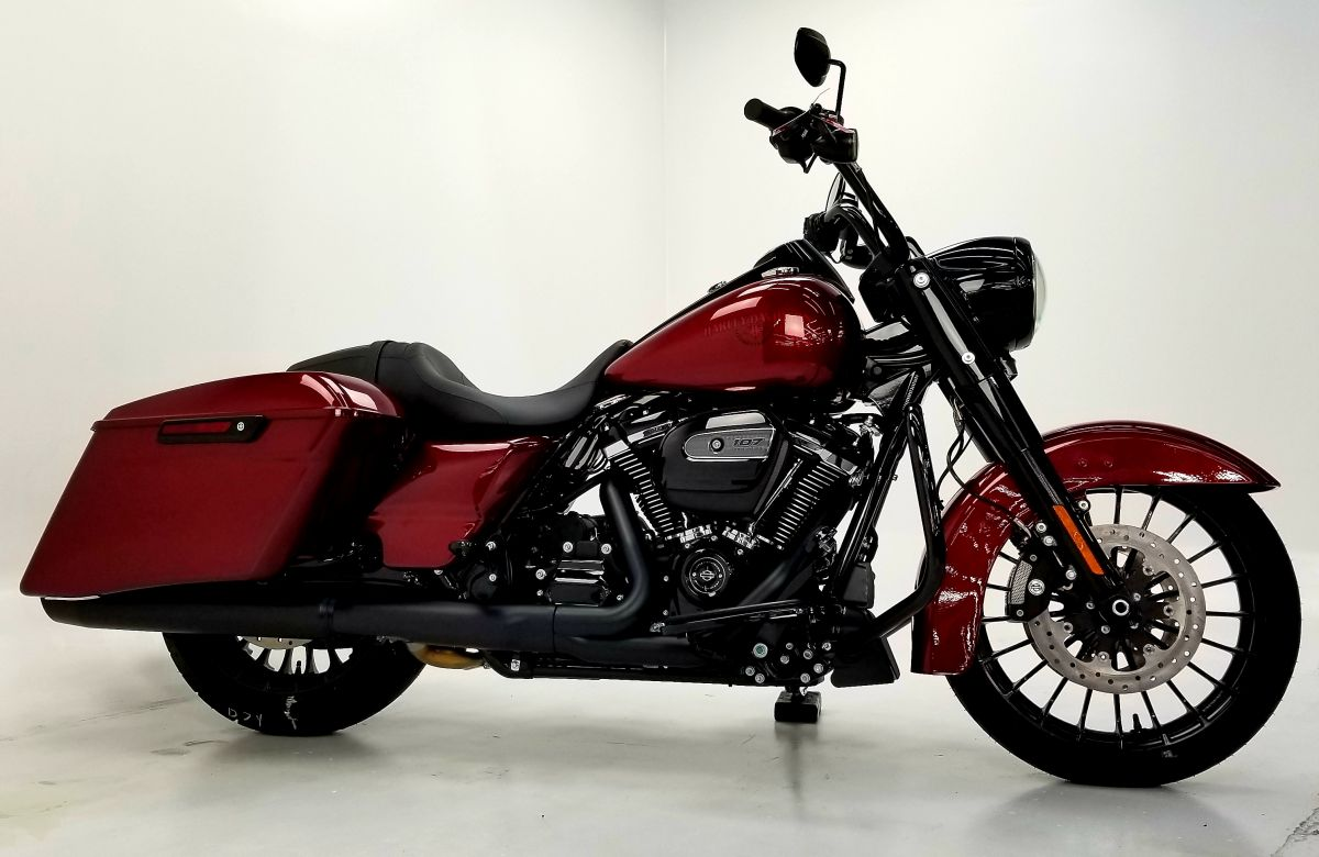 2018 Road King Special Hard Candy Hot Rod Flake